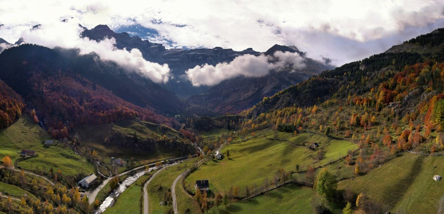 Pyrenees Cirque de Gavarnie Panorama%20Gavarnie
