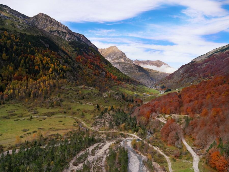 Pyrenees Cirque de Gavarnie Vall%e9e%20Gavarnie