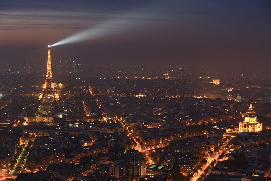 Photo Aerienne de Paris by Night Eiffel%20Arc%20Triomphe%20Invalides-BorderMaker