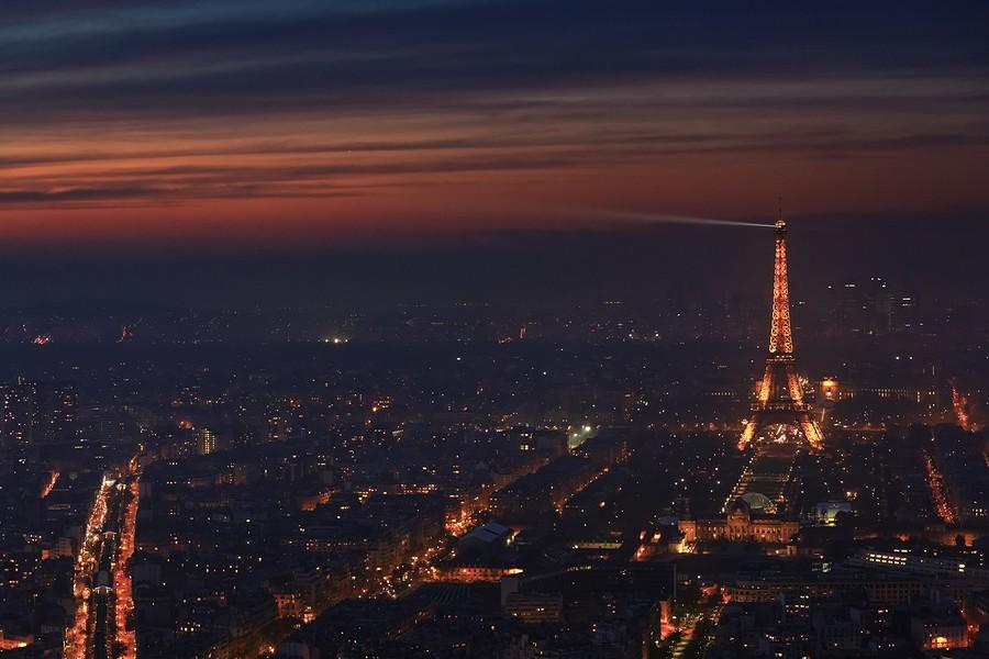 Photo Aerienne de Paris by Night Tour%20eiffel%202-BorderMaker