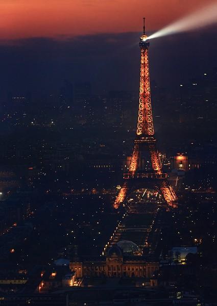 Photo Aerienne de Paris by Night Tour%20eiffel-BorderMaker